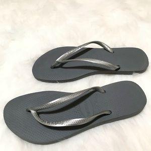 Havaianas Grey Silver Flip Flops Size 9/10